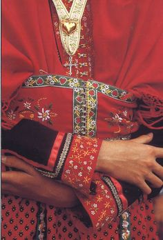 FolkCostume&Embroidery: Costume of the Arvan valley, Savoy, France