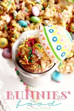 Festive Rice Crispy Treats... Adorable and delicious! #recipes #Easter the36thavenue.com