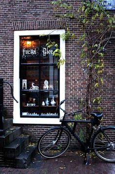 Cozy Cafes in Amsterdam - Cafe Chris is a classic bruincafe in the Jordaan and full of charm. #amsterdam Amsterdam Best Bars :: #amsterdam #photography Amsterdam photography :: Amsterdam instagram :: Amsterdam beautiful places