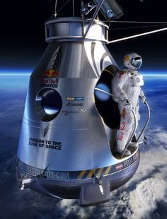"""Bull Stratos Felix Baumgartner did a """"stratospheric freefall Which expand the boundaries of human flight"""".Felix Baumgartner did a """"stratospheric freefall Which expand the boundaries of human flight"""". Felix Baumgartner, Space Rocket, Air Space, Sistema Solar, Galaxy Space, Space And Astronomy, Space Program, Space Station, Space Shuttle"""