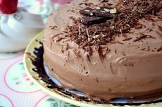 Cake «Washington» Ingredients: For cakes in the shape of 20 cm: Soft butter — 225 g Sugar — 225 g Chicken Eggs — 4 pcs. Ground almonds — 125 g Flour — 125 g Almond extract — 1 tsp.. For the cream: Sugar — 75 g Cornstarch — 3 tbsp. l. Milk — 450 ml …