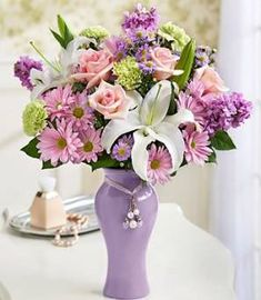 Happy Mothers Day to all Mom`s pretty-flowers Diy Mother's Day Flower Arrangements, Wedding Flower Decorations, Wedding Arrangements, Table Decorations, Amazing Flowers, Beautiful Flowers, Flower Girl Wreaths, 800 Flowers, Flower Garden Design