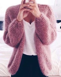 Crochet Hat - knitaddict,yarnstagram-Comment below if You Love this 💙Cozy and fluffy cardigan⠀Plan to shop knit clothings❔You need to tap on the Fashion Moda, Knit Fashion, Slow Fashion, Autumn Fashion, Hand Knitting, Knitting Patterns, Knit Crochet, Crochet Hats, Mohair Sweater