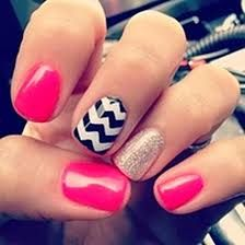 These are chevron nails with a little add of pink and a dash of glitter and sparkle! Cute and fun design for your nails! Love Nails, How To Do Nails, Pretty Nails, Style Nails, Gorgeous Nails, Uñas Fashion, Fashion Beauty, Gold Fashion, Fashion Ideas