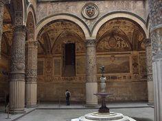 Primo Cortile - Palazzo Vecchio