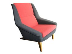 Two colours look great on 50s/60s Scandinavian armchairs . It was often done at the time .