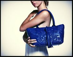 A touch of #blue for #fontanelli #reco's #mipel #handbag #madeinitaly