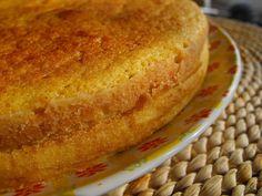 Bolo de requeijão by a galinha maria, via Flickr