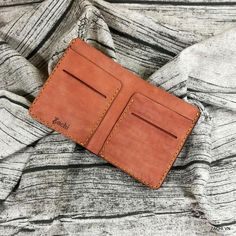 Men's mini leather wallet handmade According to the new trend of modern wallets are made more compact but no less convenient. Introduce t. Minimalist Leather Wallet, Slim Leather Wallet, Handmade Leather Wallet, Minimalist Wallet, Slim Wallet, Distressed Leather, Cow Leather, Real Leather, Modern Wallet