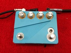 What ever this #guitar #pedal is, it's good looking!