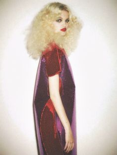 """glitter-in-wonderland: """" """" Daphne Groeneveld by Ezra Petronio for Self Service """" xx """" Moda Fashion, High Fashion, Foto Fantasy, Daphne Groeneveld, Petra Collins, 70s Glam, Corte Y Color, Comme Des Garcons, Look At You"""