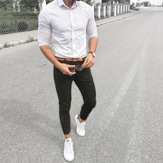 White shirt green chinos and white adidas sneakers [ ] Black And White Outfit For Men, White Shirt Men, Black White, Der Gentleman, Casual Outfits, Men Casual, Casual Pants, Green Chinos, Men With Street Style