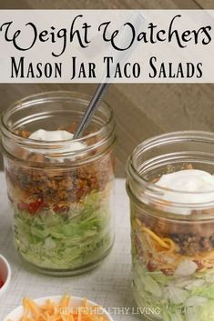 you tried making mason jar salads? Give this taco salad in a jar a try and., Have you tried making mason jar salads? Give this taco salad in a jar a try and., Have you tried making mason jar salads? Give this taco salad in a jar a try and. Mason Jar Meals, Meals In A Jar, Mason Jars, Mason Jar Recipes, Mason Jar Lunch, Ww Recipes, Salad Recipes, Cooking Recipes, Healthy Recipes