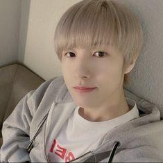 """""""got another renjun selca from his post at lysn, thank you renjun😭😭"""" Nct 127, Huang Renjun, Moomin, Taeyong, Jaehyun, Nct Dream, Boy Groups, Culture, Kpop"""