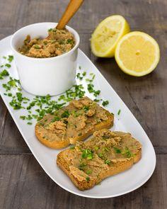 Lentil pate - Do it Yourself & More! Greek Recipes, Vegan Recipes, Mousse, Healthy Food Alternatives, Breakfast Dessert, Foods With Gluten, Dinner Rolls, Vegan Life, Finger Foods