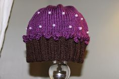 Lovewhorls Knits: Cupcake Hats!!!