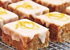 Apricot and Peanut Slice Bars: recipe from Food in a Minute Food In A Minute, Flaky Pastry, Dessert For Dinner, Biscuit Recipe, Christmas Baking, Tray Bakes, Baking Recipes, Food Processor Recipes, Sweet Treats