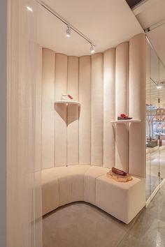 Josefinas Portugal Nolita boutique in New York by Christian Lahoude Studio Commercial Interior Design, Commercial Interiors, Retail Store Design, Retail Stores, Clinic Design, Store Interiors, Retail Interior, Retail Space, Restaurant