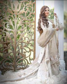 Cute Makeup Looks, Latest Celebrity News, Cute Faces, Victorian, Celebrities, Pakistani Bridal, Beauty, Dresses, Stars
