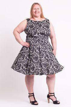 Seje 50er Kjole med sort blonde print på hvid baggrund 50 Modetøj til Damer til hverdag og fest