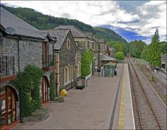 Betws-y-Coed (UK). This Welsh Snowdonian village grew very slowly with the development of the local slate mining industry. It is a primary destination for the purpose of road signs.