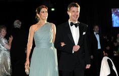Princess Mary Photos - Prince Frederik and Princess Mary Visit Australia - Day 7 - Zimbio