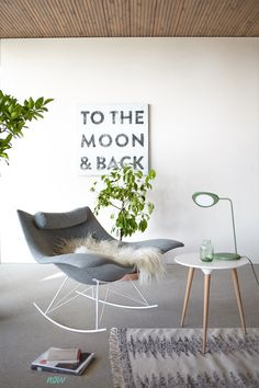 Der Schaukelstuhl Stingray wird bereits als Design-Klassiker gefeiert. Denn welcher Sessel kann von sich behaupten einem Rochen nachempfunden zu sein?