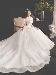 White Wedding Dress Sen Department Wedding Dress Super Fantasy Wedding Dress Off-the-shoulder Wedding Dress Princess Ball Gowns, Princess Wedding Dresses, White Wedding Dresses, Bridal Dresses, Wedding Gowns, White Princess Dress, Unique Prom Dresses, Pretty Dresses, Fancy Gowns