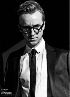 Tom Felton. AGAIN with the glasses!!!