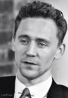 Beautiful! Would you look at those eyes! Stunning. Takes my breath away *sigh* #TomHiddleston