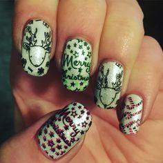 Stamping festive Christmas nails art moyoulondon