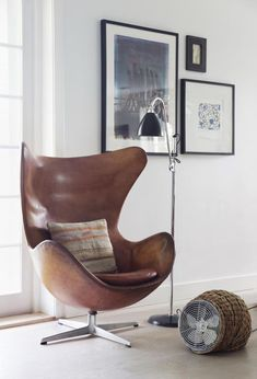 16 Amazing Egg Chair Designs Design Listicle is part of Chair design - The egg chair is one of a unique chair design from Arne Jacobsen Jacobsen designed this chair in 1957 for one of Denmark hotel It is called the egg chair Modern Chairs, Modern Furniture, Home Furniture, Furniture Design, Futuristic Furniture, Plywood Furniture, Design Lounge, Chair Design, Wall Design