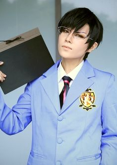 Ouran High School Host Club: Kyoya Ootori - dang this is one the best I've seen of his cosplay!