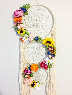 Big Dreamcatcher, Floral Dreamcatcher, Boho Chic Dreamcat … – World of Light Dream Catcher Decor, Large Dream Catcher, Dream Catcher Boho, Handmade Crafts, Diy And Crafts, Arts And Crafts, Paper Crafts, Fun Crafts For Kids, Fall Crafts