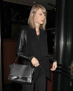 Taylor Swift in all-black look that's perfect for Fall