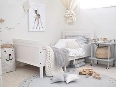 Neutral colors in a bright kid's room