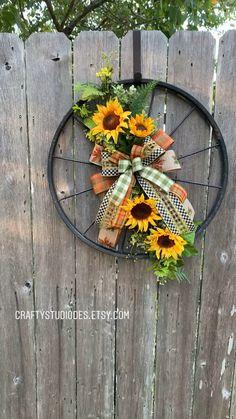 Fall Wreath Fall Door Hanger Sunflower Decor Door Decor by Heather Diy Fall Wreath, Wreath Crafts, Summer Wreath, Holiday Wreaths, Fall Deco Mesh, Deco Mesh Wreaths, Sunflower Wreaths, Sunflower Decorations, Sunflower Home Decor