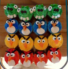 I have a boy birthday coming up and he's obsessed with Angry Birds - this might be a good 'cake' :)