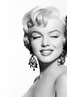 Marilyn Monroe. Vintage. Tumblr. Girl. Tumblr girl. Vintage tumblr. Black. White. Black and white