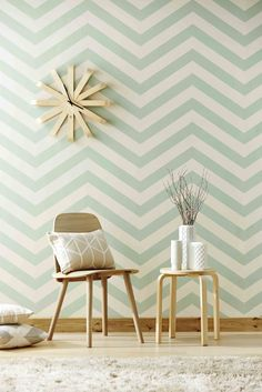 Lovely chevron wallpaper design. Mais