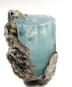 Aquamarine~ Aquamarine is a stone of courage. Its calming energies reduce stress and quiet the mind. Aquamarine has an affinity with sensitive people. Minerals And Gemstones, Rocks And Minerals, Crystal System, Rock Collection, Beautiful Rocks, Mineral Stone, Rock Chic, Rocks And Gems, Stones And Crystals