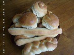 Chifle & batoane  ( ricetta romena ) Romania, Hamburger, Bread, Blog, Breads, Blogging, Baking, Hamburgers, Burgers