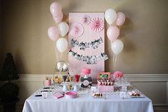 Scream for a Pink Ice Cream First Birthday Party.  Festa de aniversario infantil tema Sorvete. Ideia perfeita para o verao!