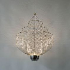 andreperron: Chandeliers of Chicken Wire by Rick Tegelaar www.ricktegelaar.nl