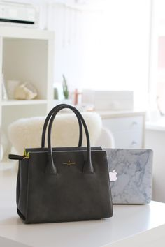 Paul's Boutique spoiled us with a blogger exclusive bag during their event last week. In this blogpost I'm going to share my new beauty with you!