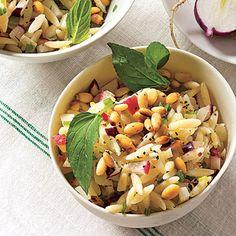orzo Fennel Recipes, Radish Recipes, Pasta Salad Recipes, Orzo Salad, Soup And Salad, Fennel Salad, Radish Salad, Shrimp Salad, Salad Bar