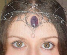 Dhy Ngetal - elf ear,orelha de elfo,elfo,fada,magic,bruxa,senhor dos anéis,hobbit, casamento,celta,viking,antiguidade,arame,ear cuff,elven,faerie,wicca,strega fashion,game of thrones, vikings,brumas de avalon, cristal,crown,medieval,elven crown,burning man, withcraft, Harry Potter, wire,jewelry, joias artesanais,artesanato,arame,prata,jovem nerd,tolkien, j k rowling, renaissance, festival,castle,tathariel,viking queen,tribal,Dhy Ngetal,forest,green,my elven kingdom,alternative,coroa,wedding