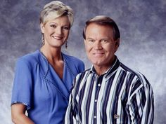 Glen Campbell with his daughter Debby Country Western Singers, Country Music, Glen Campbell, Motel, Royals, Famous People, Musicians, Grass, Celebrity Style