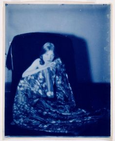 Paul Burty Haviland (1880-1950) • Young Woman in Kimono, Seat (Florence Peterson) - Cyanotype between 1898 and 1916