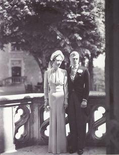fantomas-en-cavale:    Cecil Beaton- Edward, Duke of Windsor and Wallis Simpson on their wedding day, both dressed by the American designer Mainbocher, 1937  Edward, duc de Windsor, et Wallis Simpson le jour de leur mariage, tous les deux habillés par l'Américain Mainbocher